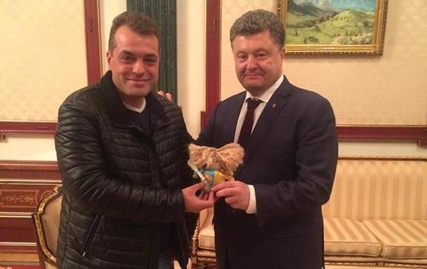 Советник Порошенко сравнил россиян с  мелкими, вредными насекомыми