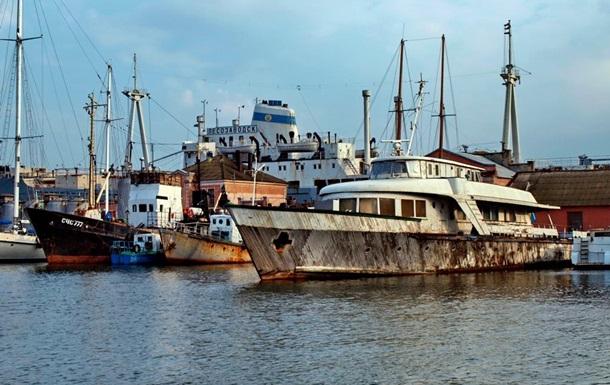 В Одессе затонул любимый катер Брежнева
