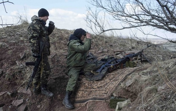 Сутки в АТО: обстрелы у Донецка и Троицкого
