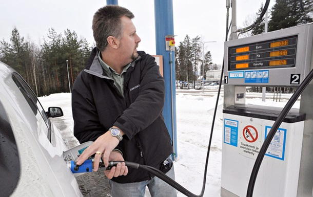 В Україні подешевшає бензин