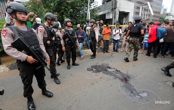 Теракт у Джакарті: загиблих уже 17
