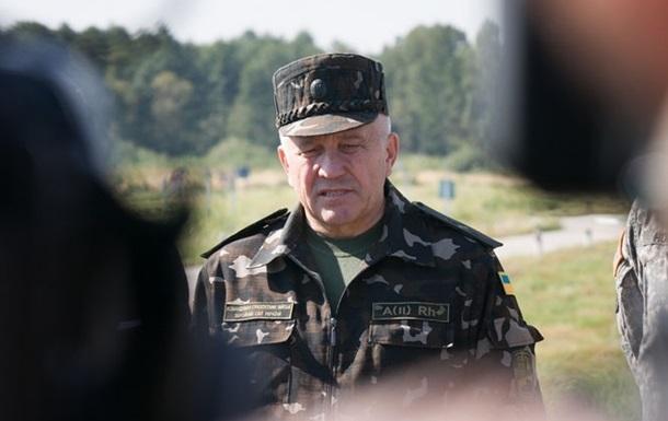 Порошенко уволил командующего Сухопутными войсками