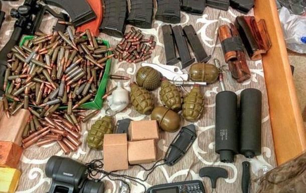 Зброю і наркотики шукали в помешканні депутата від  Свободи