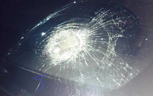 На автомобиль Рыбалки напали неизвестные.