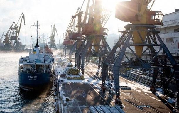 В Одесской области закрыли три порта из-за снега