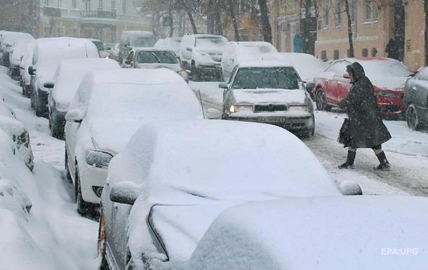 В ряде областей запретили движение по автодорогам