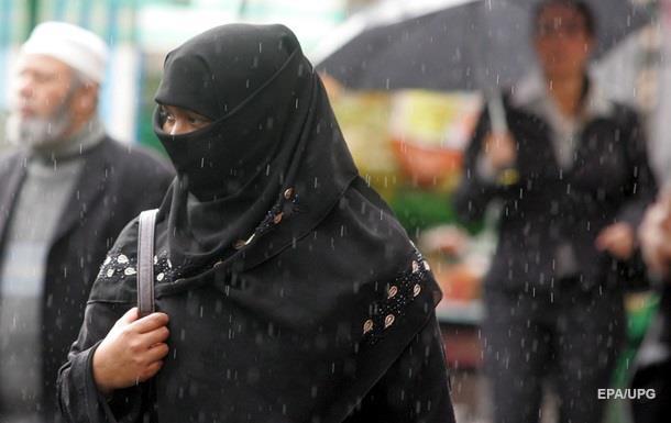 Кэмерон: Мусульманки в Британии должны учить английский