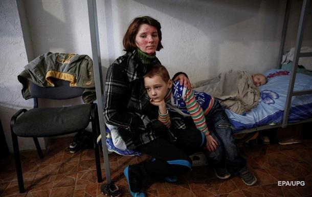 Украина поставила на учет 1,68 млн переселенцев