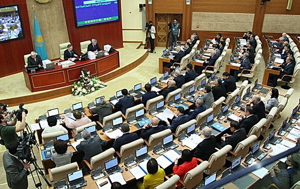 В Казахстане распущен парламент и назначены новые выборы