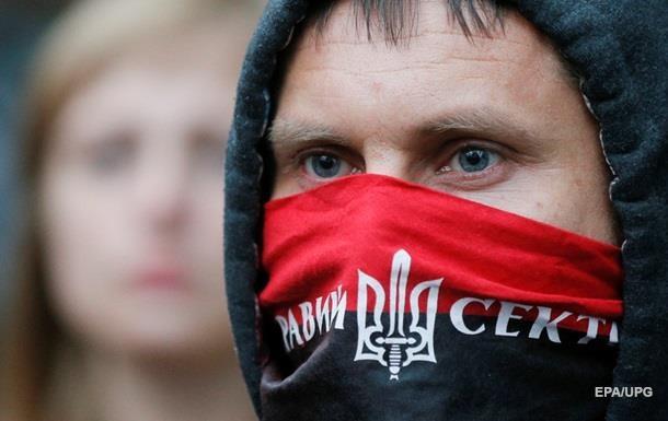Бойцов Правого сектора выселили из отеля в Киеве за разгром номеров – СМИ
