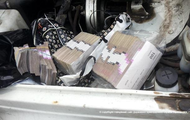 ДПС затримала автомобіль з готівкою для ДНР