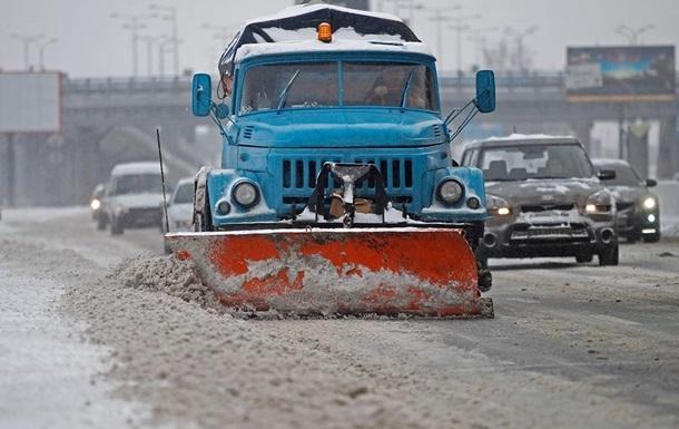 В Киеве обстреляли уборщиков снега