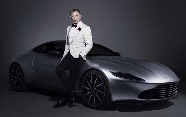 Дэниэл Крейг и Aston Martin DB10