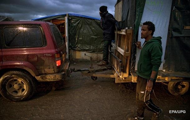 Во французском Кале задержаны 35 человек за проникновение в порт