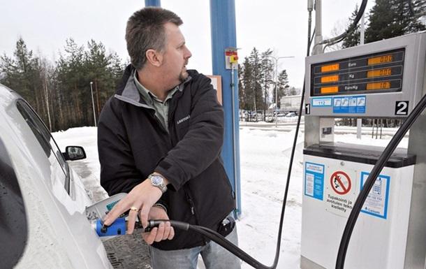В Украине упали продажи топлива через АЗС