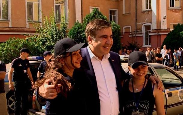 Саакашвили: квартира уже есть, дачи пока нет…