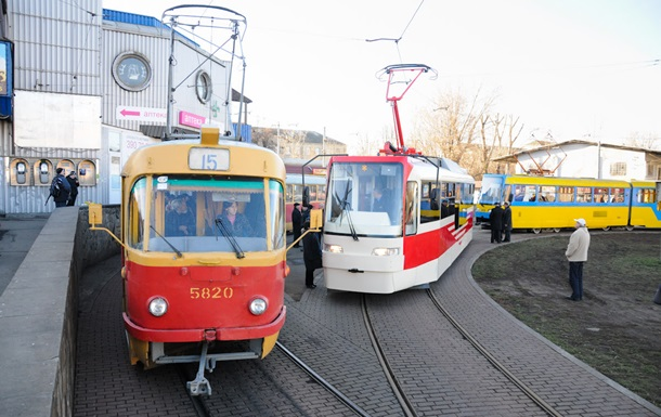В Киеве трамвай сбил пешехода