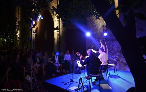 В Италии актер повесился на сцене во время спектакля