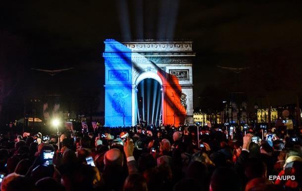 Правительство Франции продлило режим чрезвычайного положения