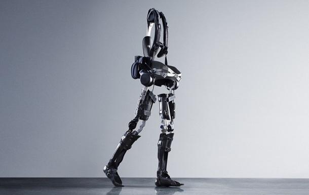Створено екзоскелет, який навчить людини ходити заново