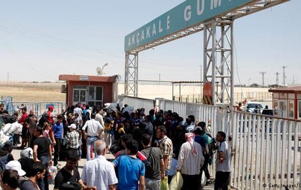 ООН: 30 тысяч сирийских беженцев скопились на границе с Турцией
