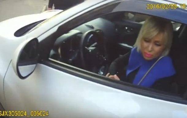 Очередная блондинка-водитель обругала полицейских