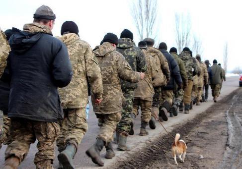 Немытые и голодные бойцы пешком дошли до Николаева.