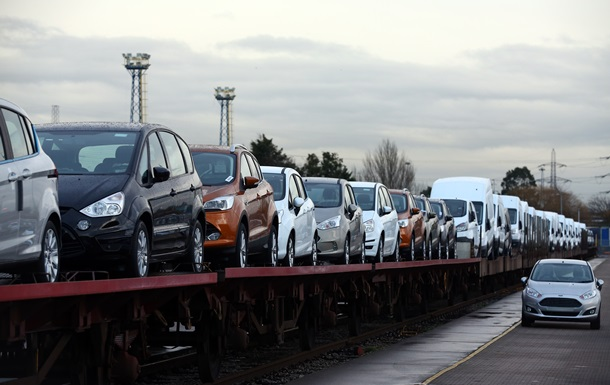 У МЗС хочуть дозволити дипломатам ввозити авто в Україну без мита