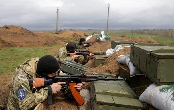 В районе Донецка идет мощный бой