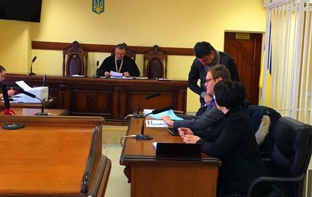 Лукаш позивається в суд проти ГПУ