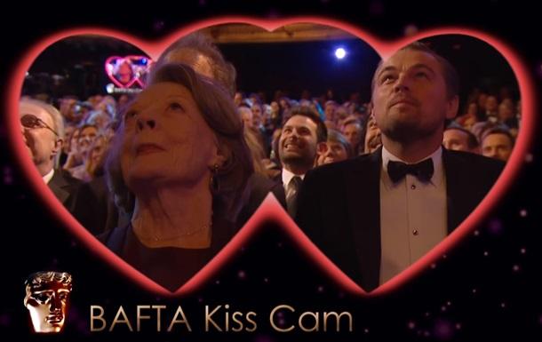 Ди Каприо и Мэгги Смит поцеловались на премии BAFTA