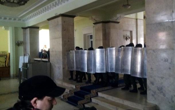 В Харькове активисты подрались с нацгвардейцами