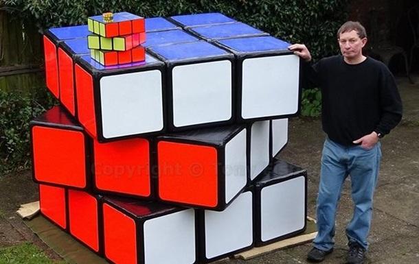 Британець створив  найбільший кубик Рубіка
