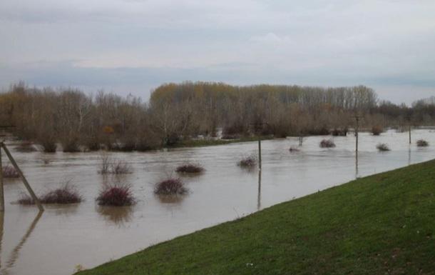 На Закарпатье подтопило несколько сел и дорог