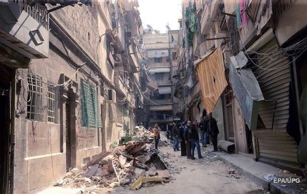 В осажденные сирийские города доставили гуманитарку