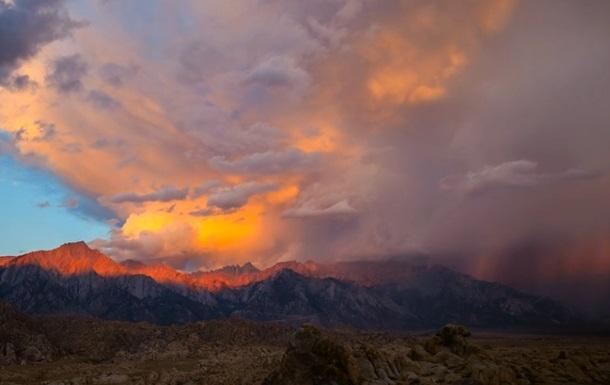 Фотограф показал красоту неба в таймлапс-видео