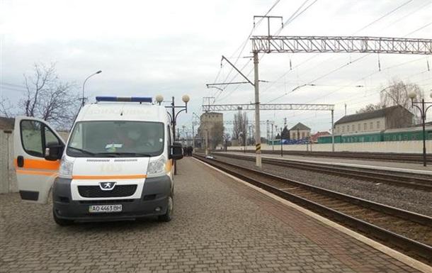 На вокзале Мукачево поезд сбил человека