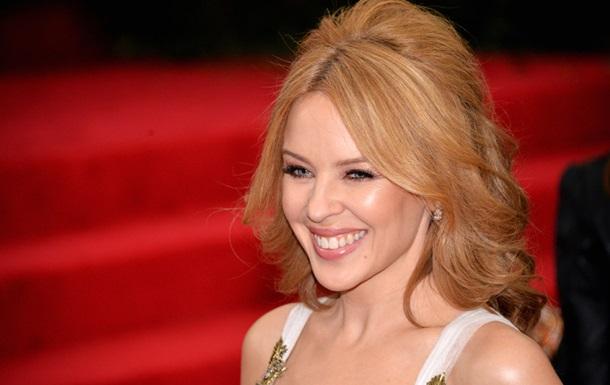 Кайли Миноуг обручилась с молодым актером - СМИ