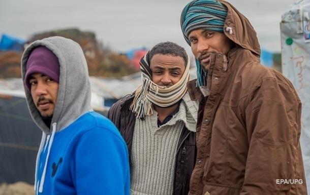 Французские власти выселяют беженцев из Кале