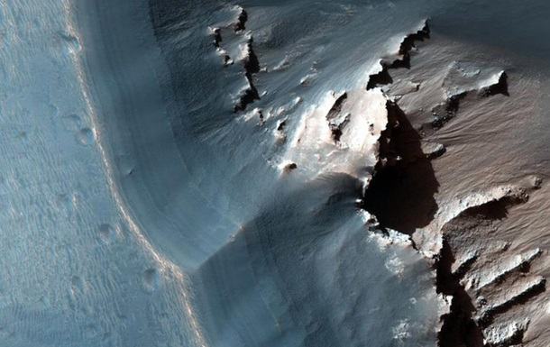 NASA показало знімок лабіринту Ночі на Марсі