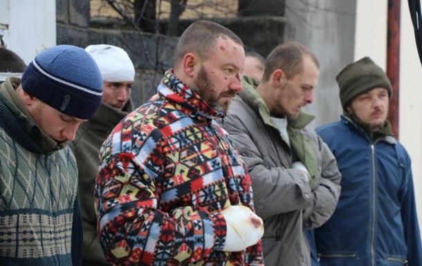 Военных в плену сепаратистов перестали пытать - Геращенко