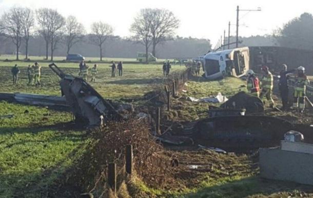 В Нидерландах поезд сошел с рельсов, есть жертвы