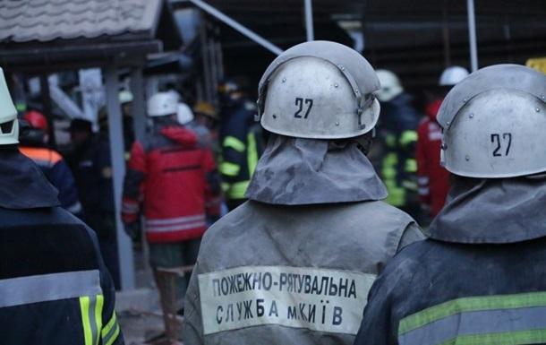 Под завалами дома в Киеве могут быть еще трое