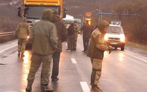 Тягнибок заявил о возобновлении блокады фур из РФ