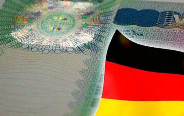 Німеччина видала українцям 100 тисяч віз за 2015 рік
