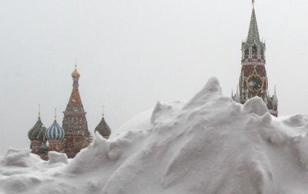Москву накрив рекордний снігопад