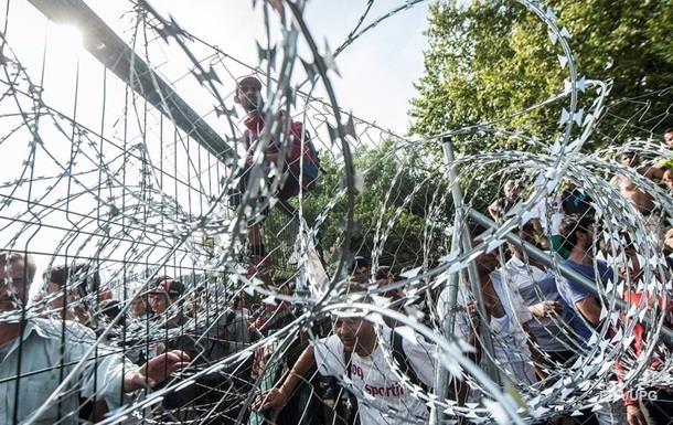 Латвия определилась с высотой стены на границе с Россией