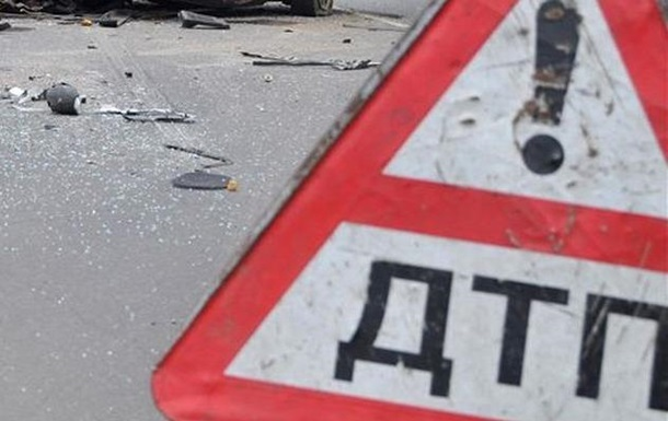 На Львівщині зіткнулися три авто: є загиблі