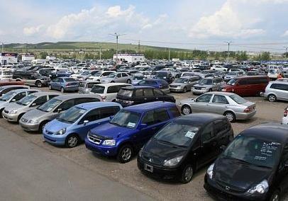МВФ требует от Украины повышения налогов на импортные машины
