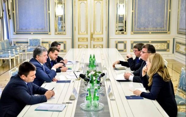 Порошенко: Список Савченко узгоджується із США і ЄС